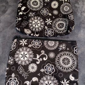 Thirty-One Pouch/Cosmetic Bag Bundle!